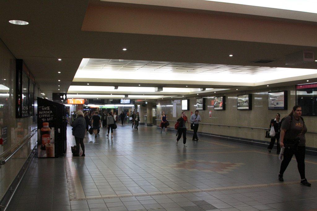pedestrian subway linking the suburban platforms at roma. Black Bedroom Furniture Sets. Home Design Ideas