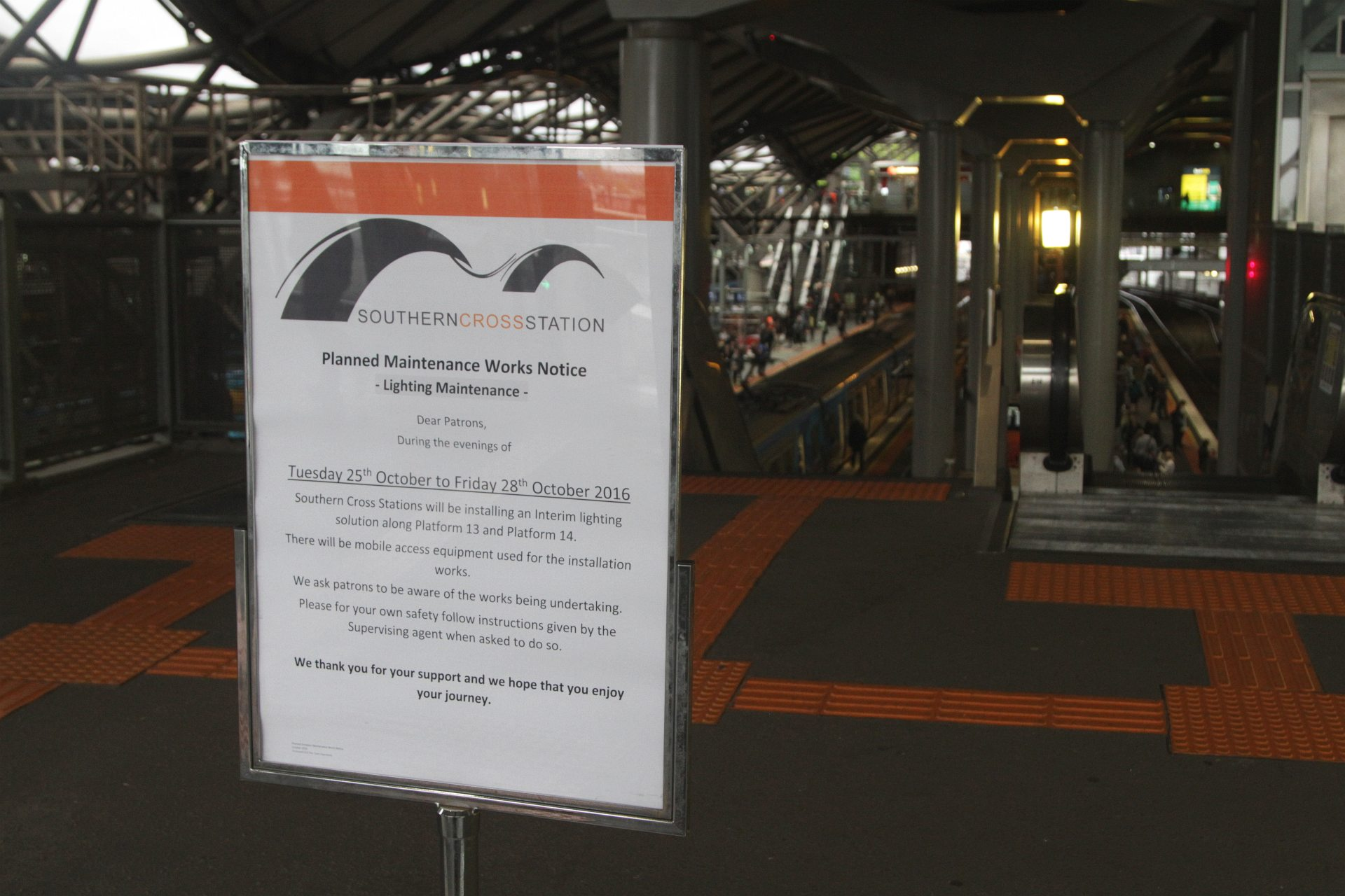 Notice that a u0027interim lighting solutionu0027 will be installed at Southern Cross platforms 13 and 14 & Notice that a u0027interim lighting solutionu0027 will be installed at ... azcodes.com