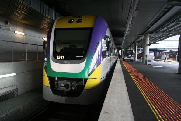 Three car VL41 at Southern Cross