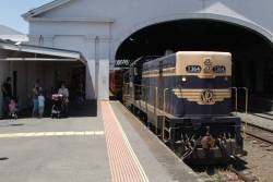 T364 and T413 on arrival at Ballarat