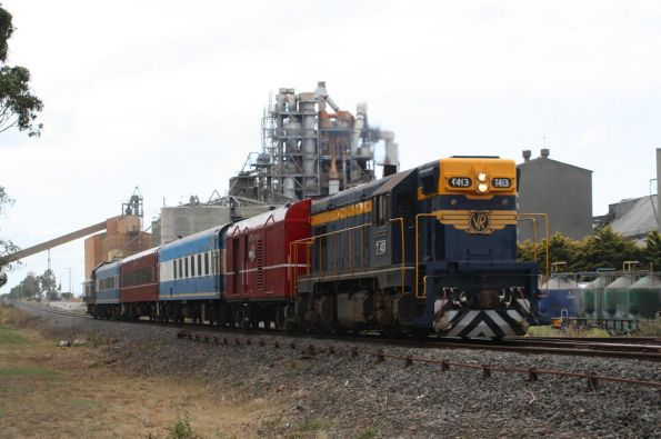 T413 passes through the Waurn Ponds cement works, the one it didn't work in