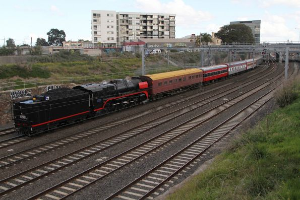 707 Operations - Classic Carriage Soiree to South Geelong, July 2017