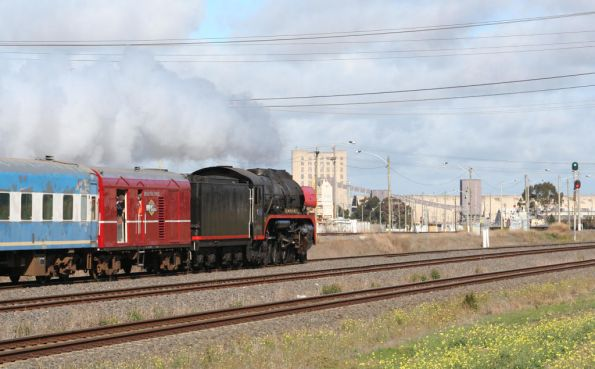 R707 leads the train towards Geelong