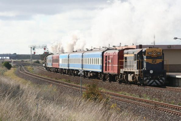 R707 leads T413 back to Melbourne at Corio