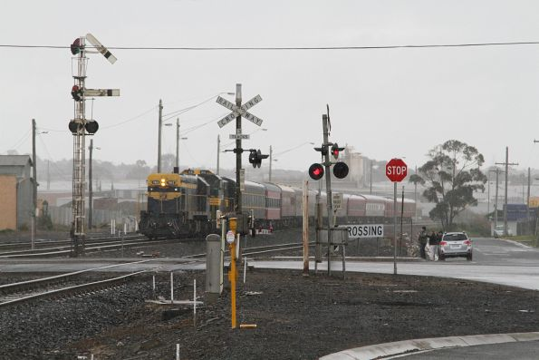 Semaphore signal cleared at North Geelong C for the train to head towards Melbourne