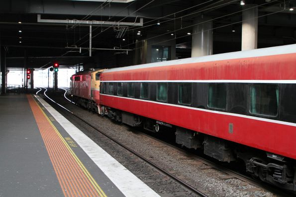 A66 leading the train at Southern Cross platform 13
