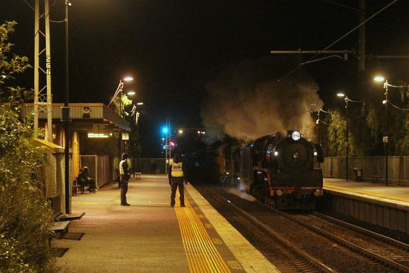R707 leads the late running train through Seddon on the down