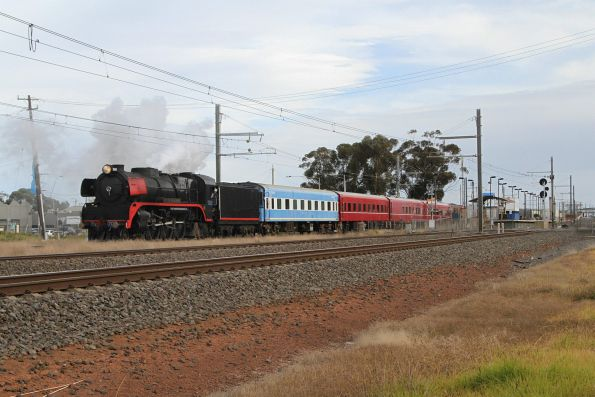 R707 leads the train back towards the city at Aircraft