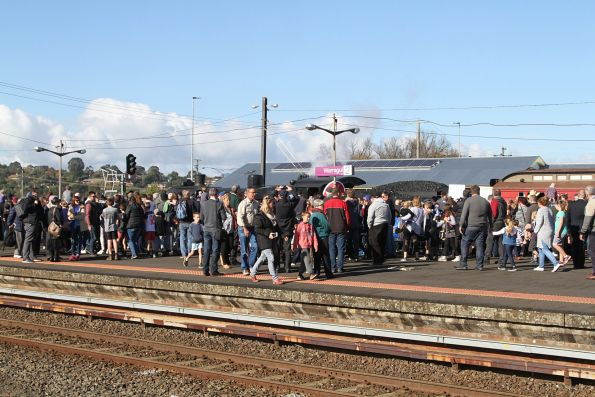 Massive crowd on the platform at Warragul to see the train arrive