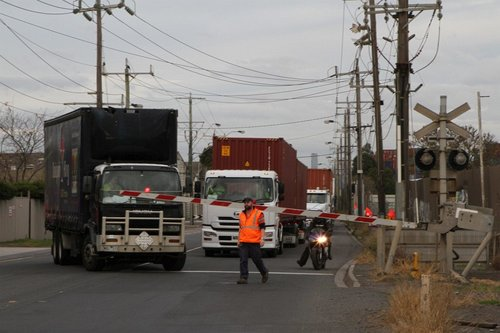 Idiot truck drive managed to stop under the boom gate on Somerville Road, Brooklyn