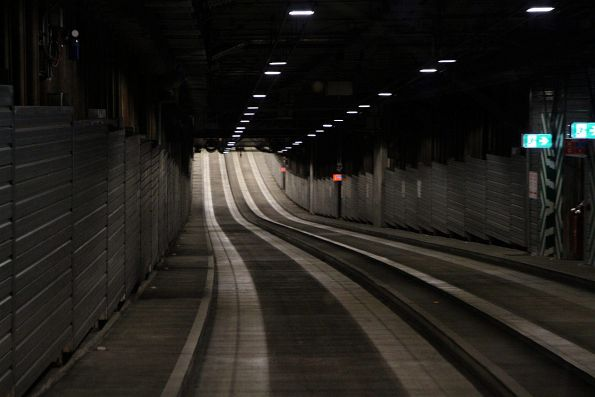 Bottom of the grade northbound inside the O-Bahn tunnel