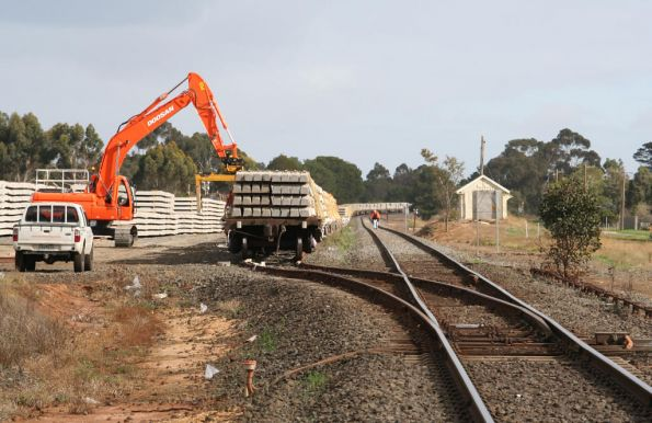 Almost 1000 metres of train to be loaded