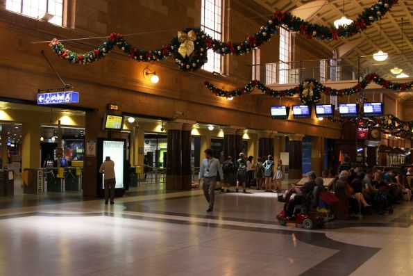 Main concourse at Adelaide station decorated for Christmas