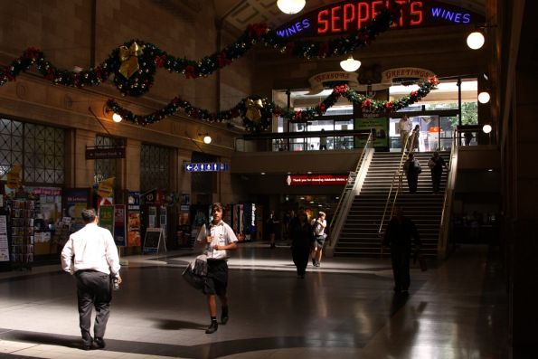 Afternoon sun on the Adelaide station concourse
