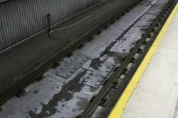 Rails directly fixed to the concrete slab at the east end of platform 9