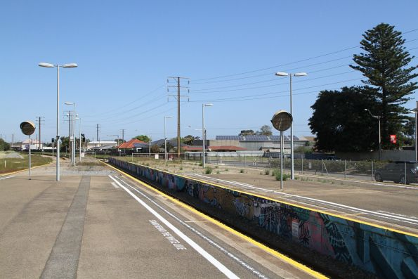Centre terminating track at Glanville station