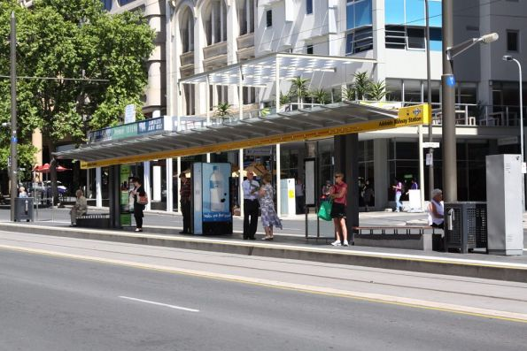 Tram stop at Adelaide Railway station - stanchion G1 in the Glenelg direction, and H1 in the Hindmarsh direction