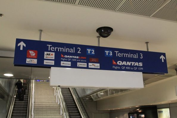 how to get to the domestic airport sydney