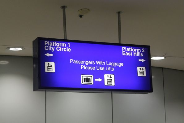 Platform directions on the concourse at Mascot station
