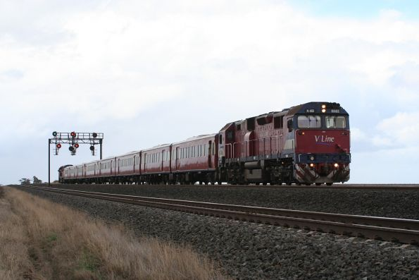 N461 leads a down push pull outside Little River