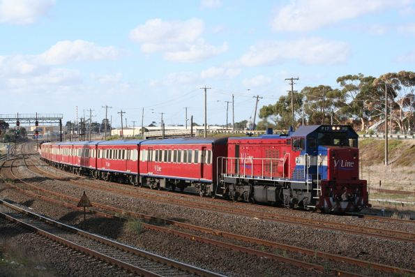 P17 leads on a down push pull near North Geelong