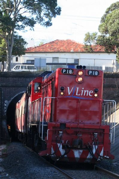 P18 exits the Geelong tunnel