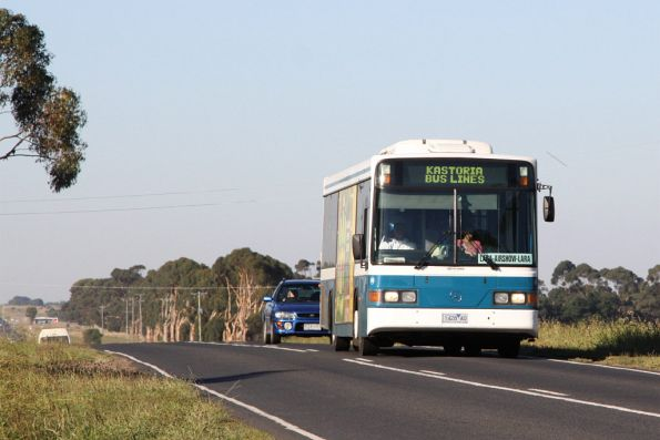 Airshow shuttle bus on Old Melbourne Road