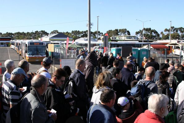 Avalon Airshow 2011 specials: V/Line trains and shuttle buses