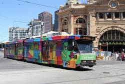 B2.2012 'Marvellous Melbourne' by Valerie Tang heads south on route 64 at Swanston and Flinders Street