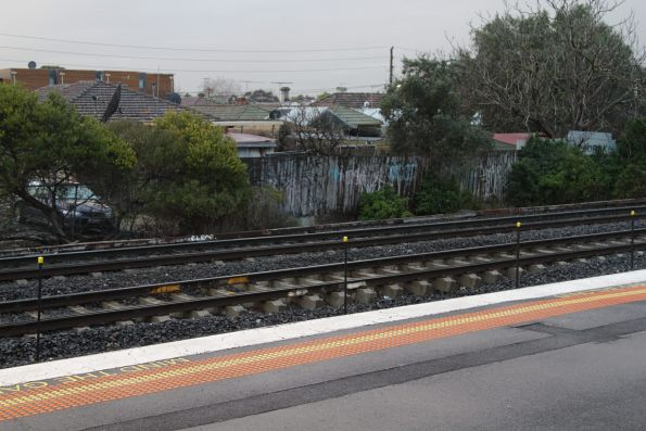 Little ballast holding down the dual gauge ARTC track at Middle Footscray