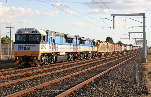 Brand new Downer EDI Rail locomotives LDP002 and LDP001 on test lead G516, G534 and CLP10 northbound on MB7 through Coolaroo