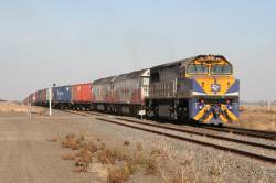VL356, G535 and G511 lead the MA6 P&O train into Gheringhap on the down