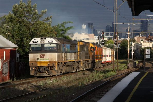 LDP001, LDP006 and CLF4 pass through Middle Footscray on MB7