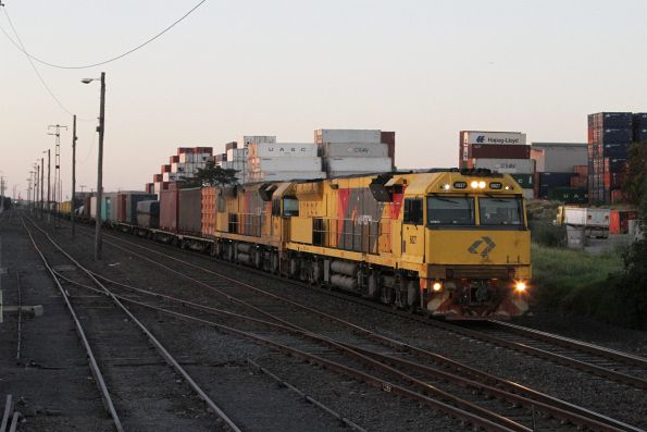 Aurizon 6027 leads 6042 on westbound MP1 service at Brooklyn