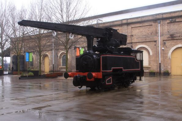 Statically preserved steam crane 1083