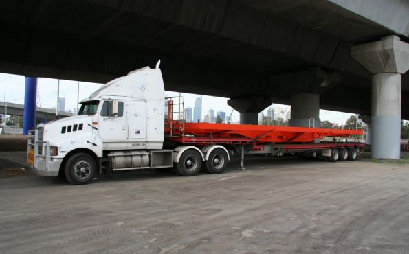 New skeletal container wagon on a truck, minus bogies