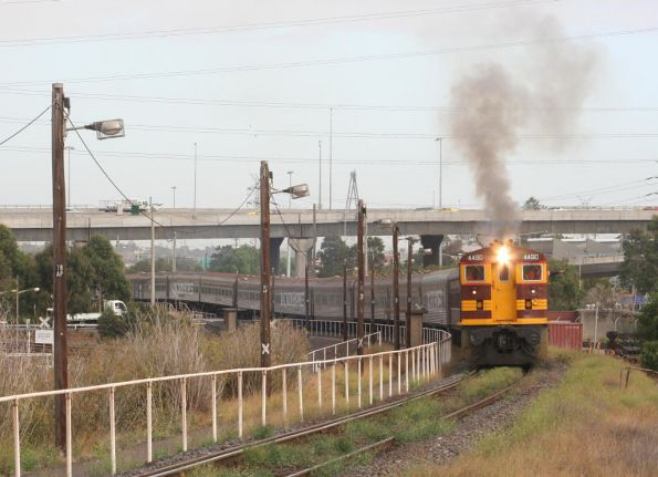 4490 long end leading smokes it up from South Dynon