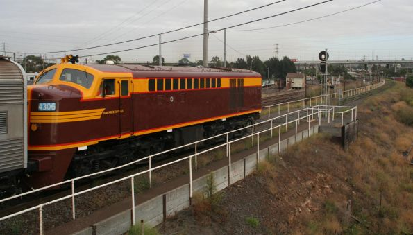 4306 shows the poor NSWGR attempt at a bulldog nose