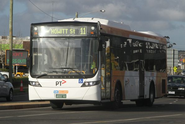CDC Ballarat bus #195 BS02NT on route 11 in Wendouree