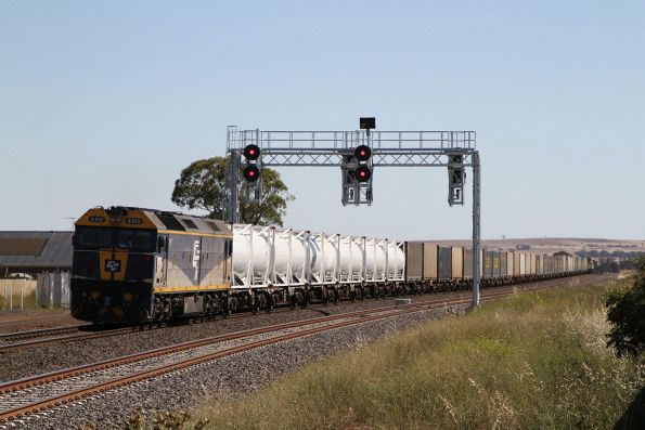G512 trailing out of Melton towards the down end of the double track