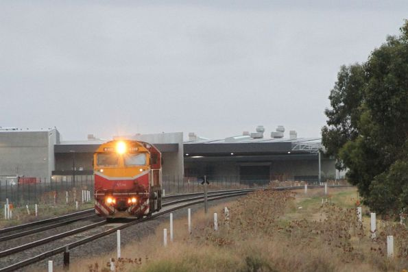 N469 heads light engine through Deer Park after a day of driver training between Ballarat and Bacchus Marsh