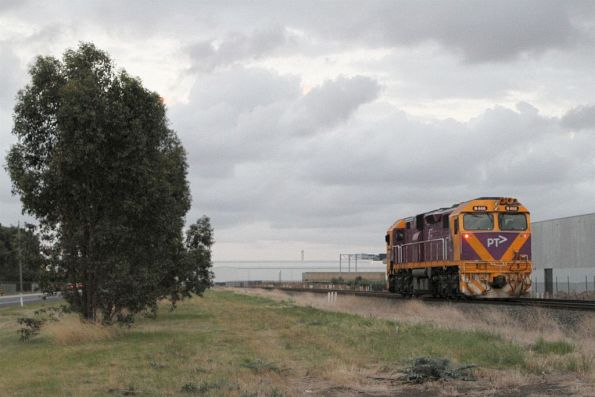 N466 heads light engine through Deer Park after a day of driver training between Ballarat and Bacchus Marsh