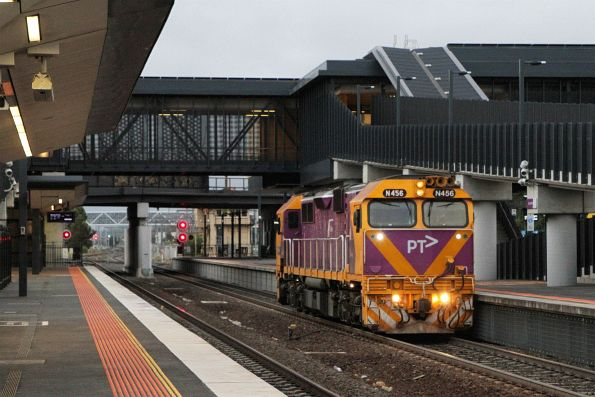 N456 heads light engine through Sunshine station after a day of driver training at Ballarat