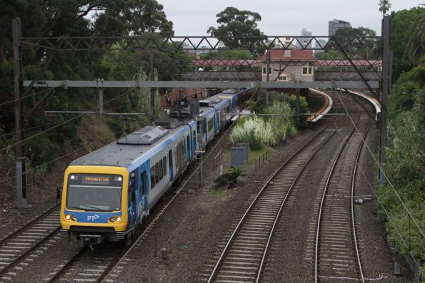 X'Trapolis 176M heads to Frankston on the day before the 2014 State Election