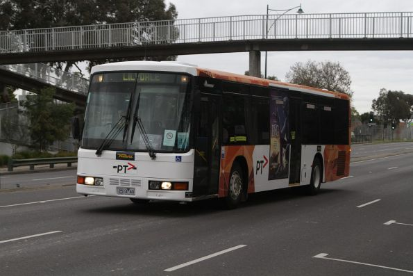 Ventura #1171 2514AO on an outbound rail replacement bus service for the Blackburn Road level crossing removal project
