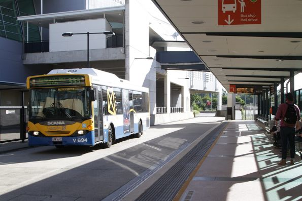 Brisbane Transport bus V694 on route 333 runs express through Normanby station on the Northern Busway