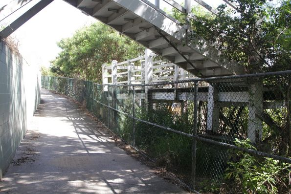 Convoluted access between the bike path and footbridge over the Exhibition Loop tracks at Normanby