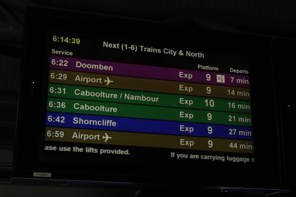 '3 car' icon on the PIDS for a Doomben service at Roma Street