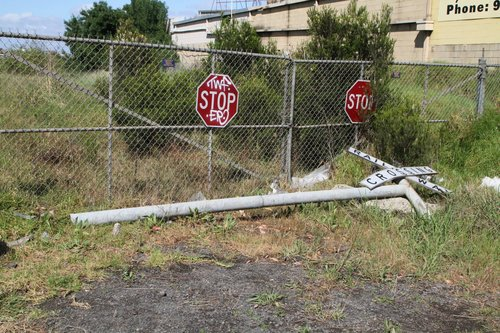 Damaged level crossing lights on the Apex quarry siding at Somerville and McDonald Road in Brooklyn