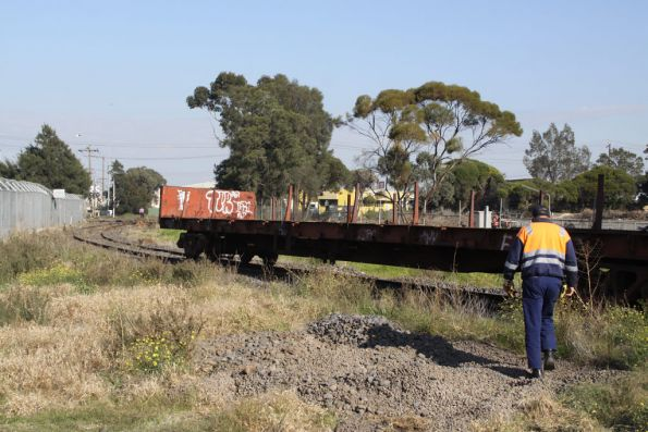 Shunting back into the tip siding
